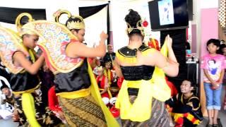 Persembahan Tarian Johor oleh Siji Loro Indah Sari (E)