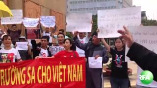 Biểu tình phản đối Chủ tịch TQ Tập Cận Bình