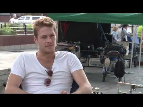 "The November Man: Luke Bracey ""David Mason"" Behind the Scenes Movie Interview"
