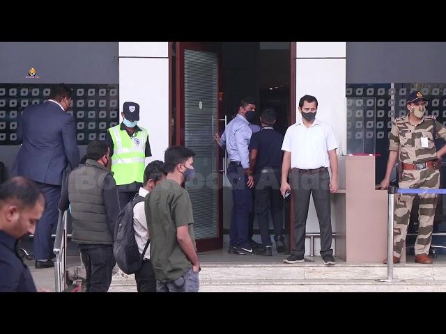 Tandav Actor Saif ali khan & Ranbir Kapoor Spotted At Private Airport