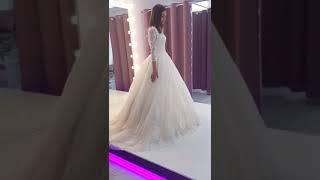 Пышное свадебное платье со шлейфом!