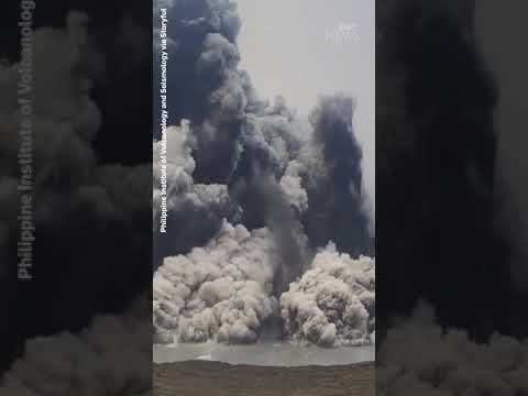 Watch the moment a volcano erupts in the Philippines #shorts