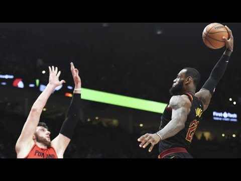 LeBron James' Most Incredible Plays as a Cleveland Cavalier (Career)