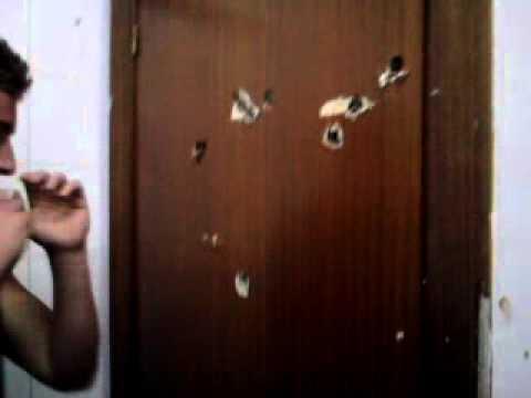 Como romper una puerta youtube for Como arreglar una puerta de madera