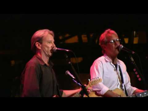 "America- ""Sandman"" w/ Extended Intro (HD) live at Mohegan Sun on 5-29-2010"
