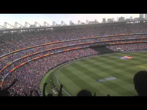 Crowd reaction at the MCG as Dhawan gets a century in the world cup
