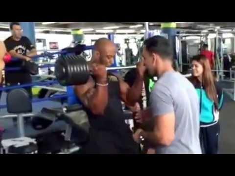 SAS fitness with big guns