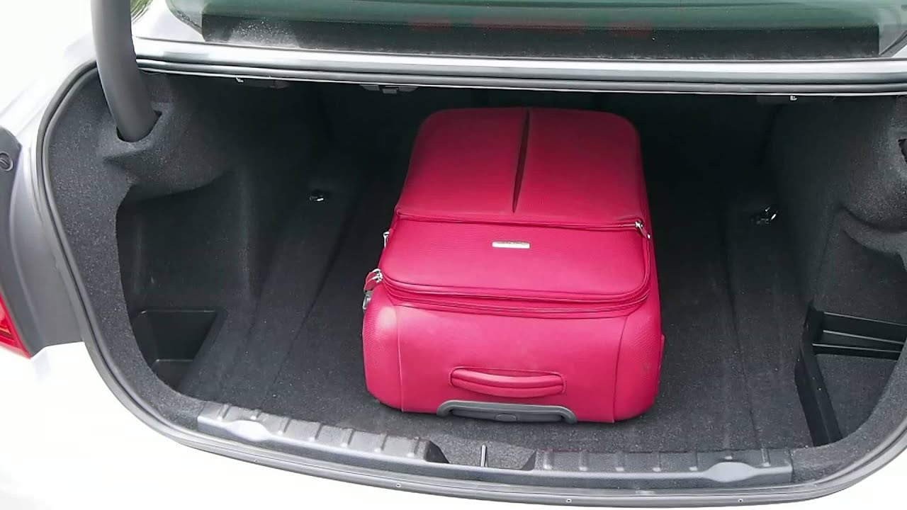 Boot Space On The F30 Bmw 318d Youtube