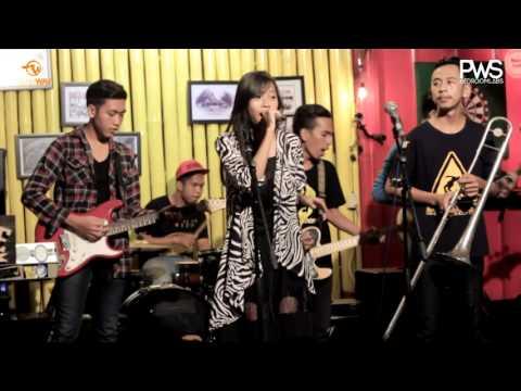 Adulesencia - Everyday Like Sunday ( Alternative Ska Purwokerto ) Showtime 2016