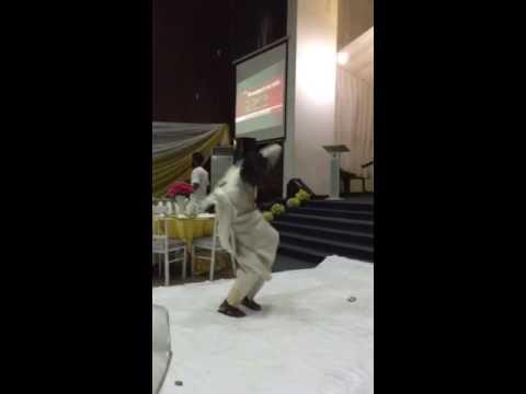 Ọba l'áyé o - Dr. Ọbádélé Kambon Dancing at ASAA Ìbàdàn 2015