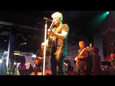 Jon Bon Jovi - I WISH EVERYDAY COULD BE LIKE CHRISTMAS - La mp3