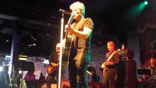 Jon Bon Jovi - I WISH EVERYDAY COULD BE LIKE CHRISTMAS - La