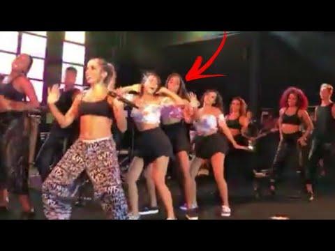 Mc Loma no show da Anitta cantando Envolvimento 👯♀️