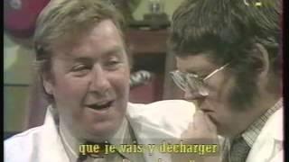 NAKED  british humour (sous-titres français)