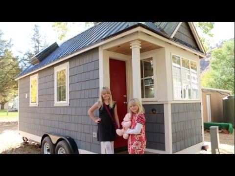 16 foot tiny house has a bedroom and a sleeping loft youtube for Tiny house without loft bed