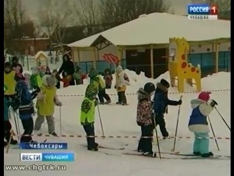 Тренер по лыжным гонкам провёл мастер-класс для маленьких лыжников