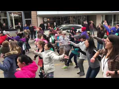 TheTrafalgar flash mob grade 6