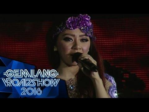 "2 Putri Bahar "" Baper "" - Gemilang Roadshow Karawang (7/5)"