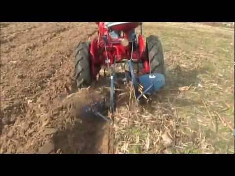 farmall cub 189 2 way plow working bjpd