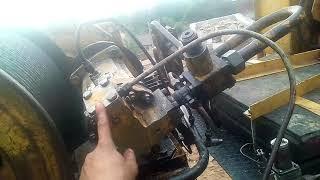 Bu winch accelerator doimo, bu crane bo'yicha ishlaydi. Sababi nima.