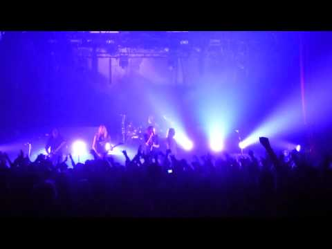 Hammerfall   Glory To The Brave & One More Time Paris 05 11 2011