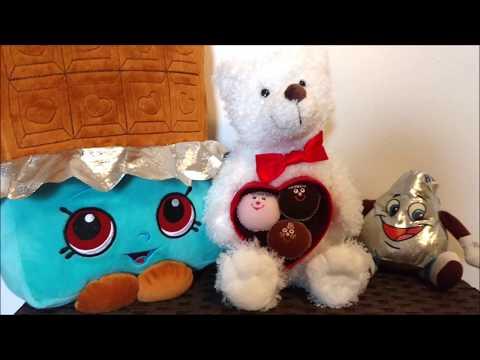 SINGING CHOCOLATE BON BONS Valentine's Day Plush Hallmark Bear Hershey's Kiss Shopkins Love