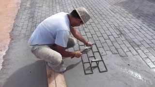 Bloquete em piso de concreto