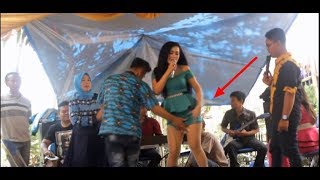 Download Video sawer biduan hot dipegang anunya terus saat nyanyi !! MP3 3GP MP4