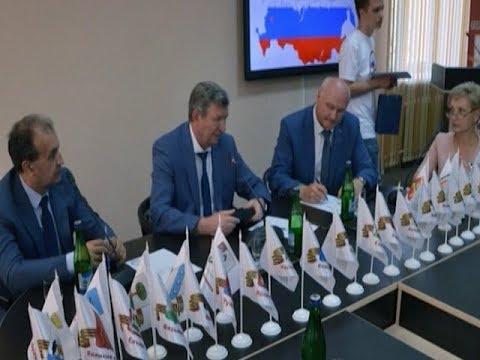 Глава Курска принял участие в VIII Съезде городов воинской славы
