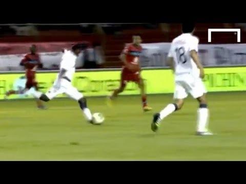 Incredible 30 yard goal - Edison Mendez