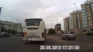 Приколы на дорогах  Осторожно клоуны