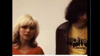 Debbie Harry's Tiger Bomb - Live featuring Joey Ramone (1987)