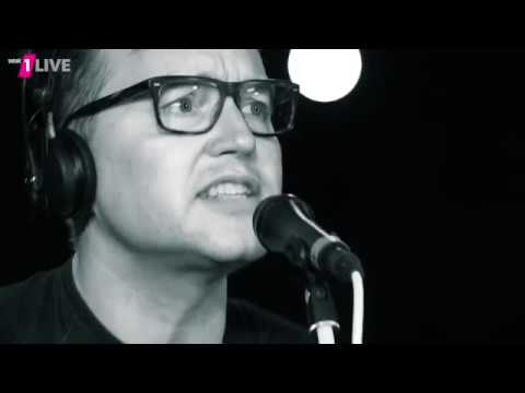 Blink-182 - What's My Age Again (Acoustic) @ 1Live Plan B - 14.11.2016
