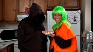 Halloween Pizza Recipe (Happy Halloween) - Amy Lynn's Kitchen