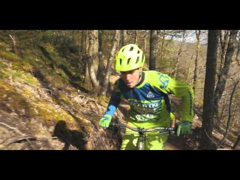 Riding 'Dwsin Drwg' @ Marin trail N. Wales