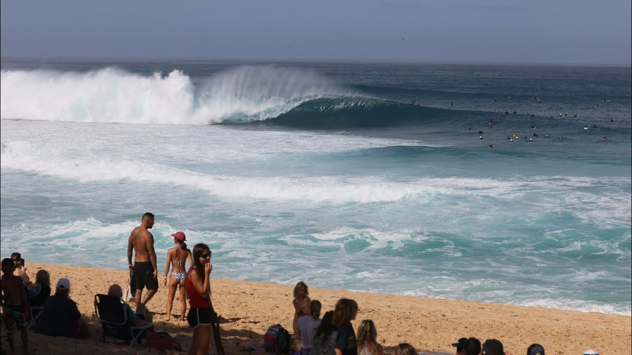 Download Replay: Valentine's Day Swell at Pipeline
