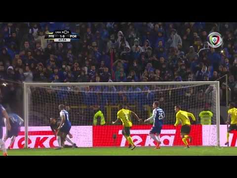 Brahimi falha grande penalidade (Paços Ferreira - FC Porto) الإبراهيمي
