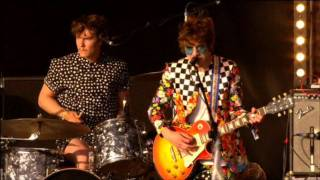 MGMT - Time to Pretend live @ Glastonbury 2010 HD High Quality