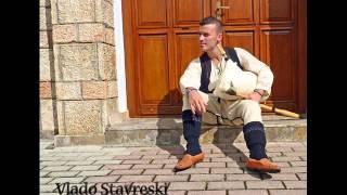 Vlado Stavreski (cvetkovo oro) Pece Atanasovski gajda,kaval,tambura,tapan