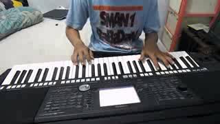 "cover piano ""saatku menyembahmu"""