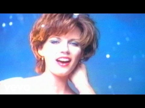 Martina McBride - Safe In The Arms Of Love