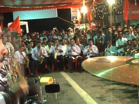Aastik Brass Band:Babli Badamash Hai (Worli) 2013