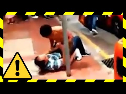 Chinese tourists behaving badly, peeing in public, fighting Japanese (compilation 2015) - Tomonews