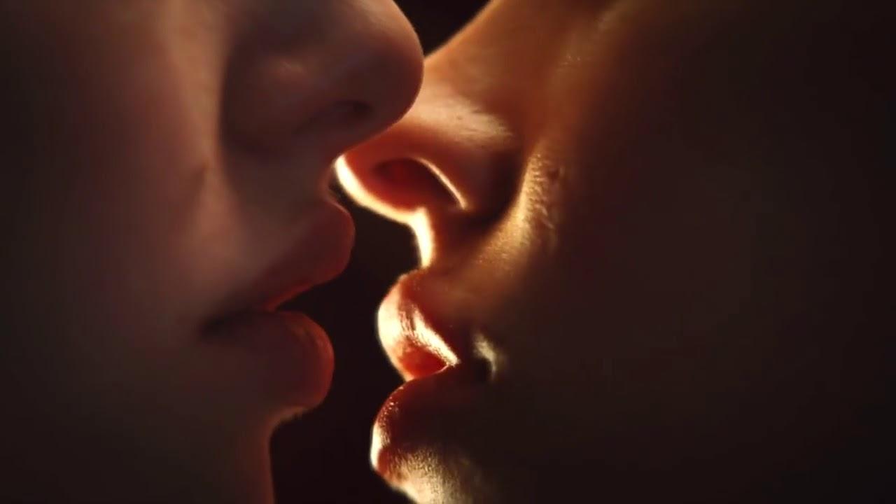 результате селекционных живые картинки поцелуи в губы он и она такие