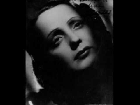 "Edith Piaf ~""Autumn Leaves""~ Christmas Eve Live Performance"