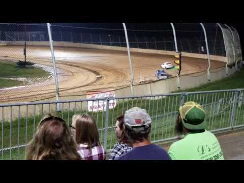 Lawrenceburg speedway hornet b main...9/17/16