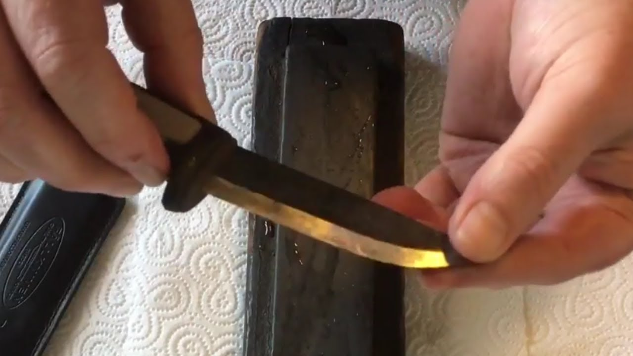 How to Sharpen a Knife for Preppers