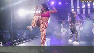 Anitta PARADINHA + BREAK Reveillon ao vivo em Copacabana - RJ [TRANSMISSÃO OFICIAL HD] 01/01/2018