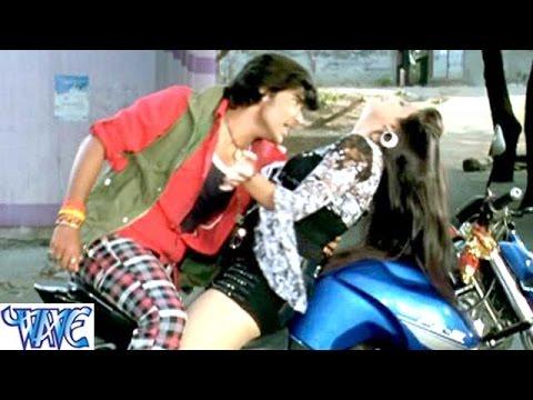 मोबिल डाल देम मशीन में - Saugandh Ganga Maiya Ke | Akshra Singh | Bhojpuri Hit Song HD