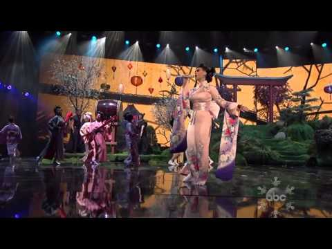 Katy Perry Unconditionally American Music Awards 2013